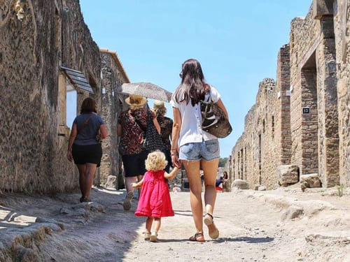 AlyceMarie-Pompei_Italy
