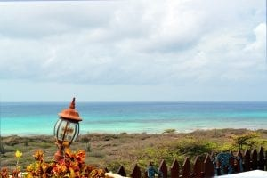 A beach in Aruba, where there are some amazing restaurants