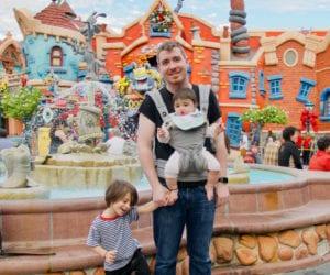 Disneyland-Family-Vacation-save-money-1000