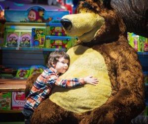 new-york-city-toy-store-kid-1000