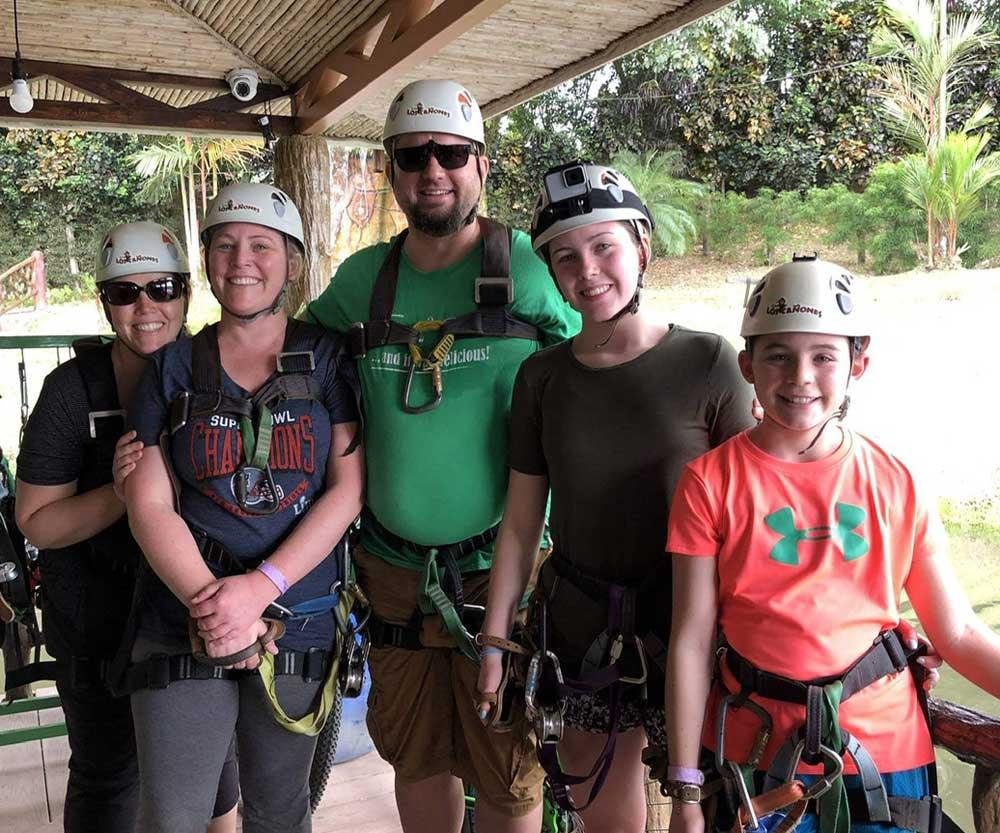 Costa-Rica-family-trip-ziplining_1000
