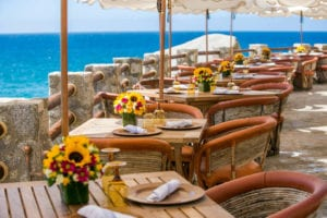 Tucked into the cliffs of Waldorf Astoria Los Cabos Pedregal, El Farallon is the best restaurant in Cabo San Lucas. Overlooking the Pacific Ocean, listen to the waves crash below while making your selection from the ocean-to-table menu featuring the daily bounty from local fishermen.